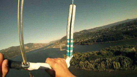 Видео: Полет кайтера с высоты 250 метров