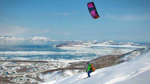 Суровые Камчатские кайтеры… или полет над осиным гнездом!